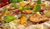 Пица с картофи и ананас