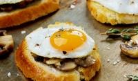 Сандвичи с яйца на очи и гъби