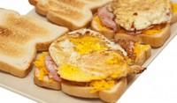 Сандвичи с яйца и чедър
