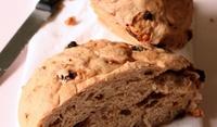 Орехово хлебче с мед