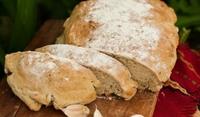 Домашен чеснов хляб