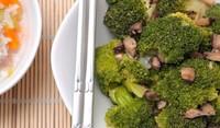 Гъби, спанак, броколи и пилешки дробчета на фурна