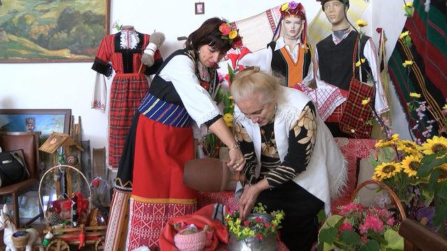 Бабинден по стар стил честваха днес в Хасково