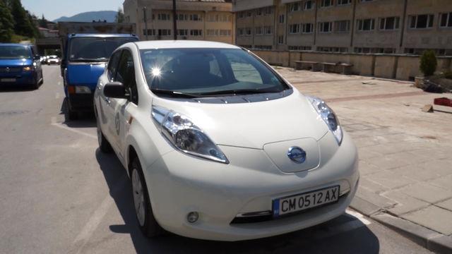 Местната управа в Смолян пести пари за гориво с първият за града електромобил