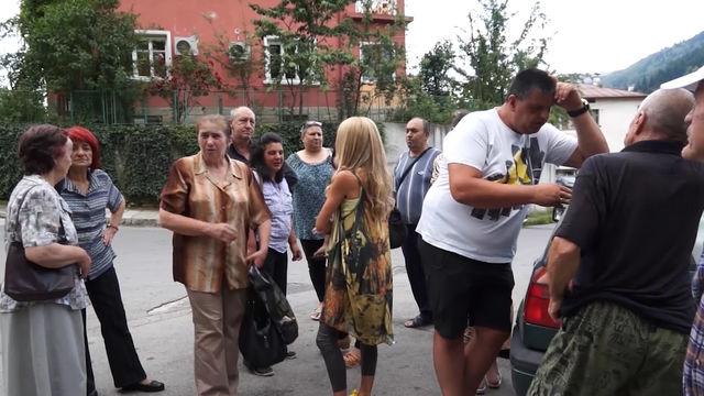 В Смолян десетки жители излязоха на предупредителен мирен протест